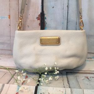 Marc Jacobs ivory pebbled leather crossbody bag